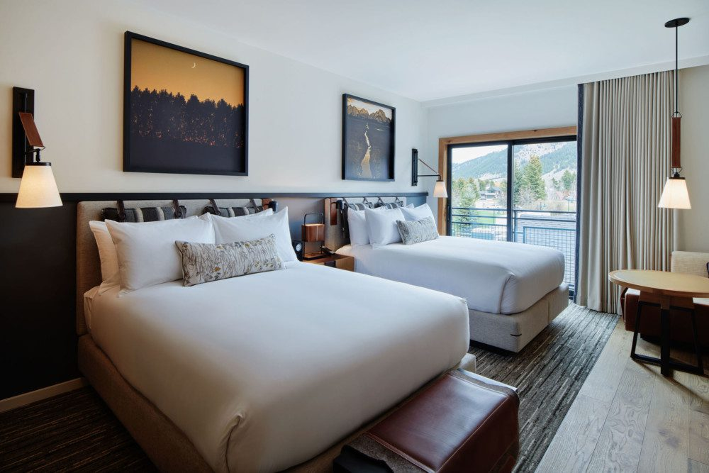 Guestroom with Two Queen Beds Layout